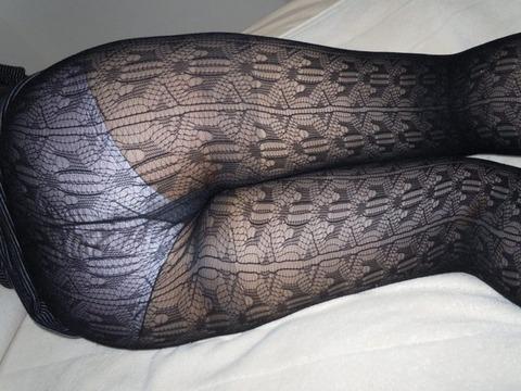 こんなエロい網タイツ履いてると素人と言えども勃起しそうなんだがwwwwwwww★素人網タイツ・黒ストエロ画像・21枚目の画像