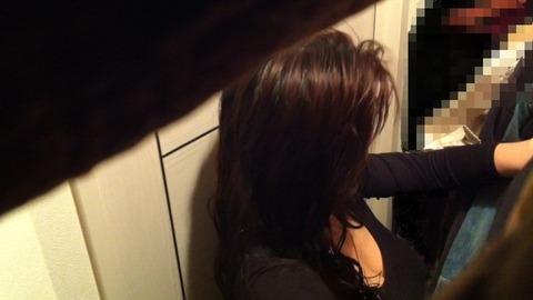 女子更衣室をこっそり盗撮してみた結果、意外と大漁だったwwwwww★素人盗撮エロ画像・21枚目の画像