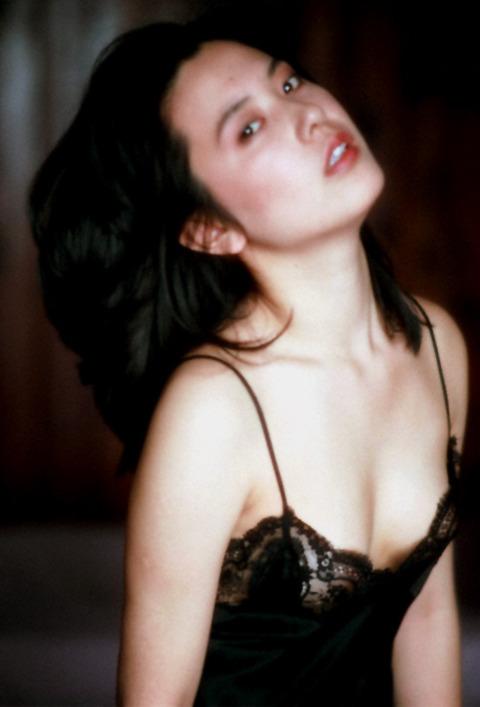 サスペンス女優の映画おっぱいとヌードおっぱいとマン毛wwwwwww★名取裕子エロ画像・32枚目の画像