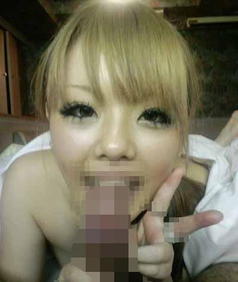 裸でピースの画像が流出した悲劇な素人さんwwwwwwww★素人ピースエロ画像・13枚目の画像