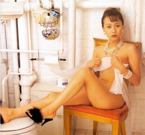 渡辺美奈代のヌード画像!!懐かしすぎてウケるwww 元おにゃんこ【渡辺美奈代】すれすれヌード画像36枚・10枚目の画像