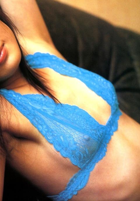 三浦理恵子おっぱい画像!!乳首の色が半端なくキレイwww 三浦理恵子ヌード画像・14枚目の画像
