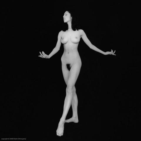 高岡早紀のヘアヌード画像★爆乳&美マン毛具合が半端ないwww・22枚目の画像