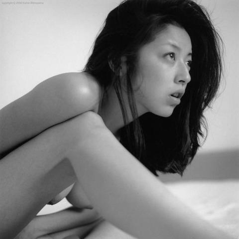 高岡早紀のヘアヌード画像★爆乳&美マン毛具合が半端ないwww・30枚目の画像