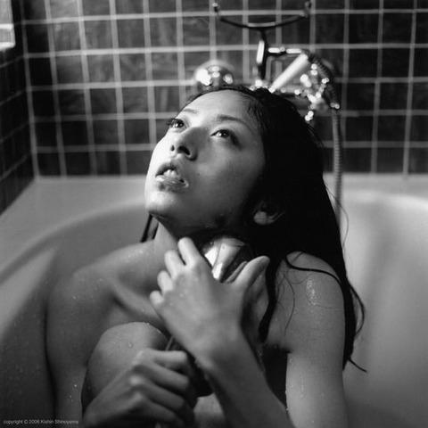 高岡早紀のヘアヌード画像★爆乳&美マン毛具合が半端ないwww・44枚目の画像