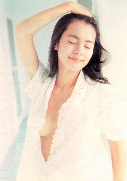 さとう珠緒の若き時代のヘアヌードエロ画像32枚・27枚目の画像