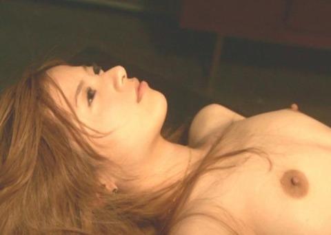 【画像】吉高由里子のおっぱい丸出しの濡れ場を46枚にまとめ直してみたwwwwwwww★吉高由里子エロ画像・2枚目の画像
