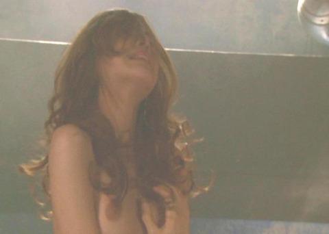 【画像】吉高由里子のおっぱい丸出しの濡れ場を46枚にまとめ直してみたwwwwwwww★吉高由里子エロ画像・1枚目の画像