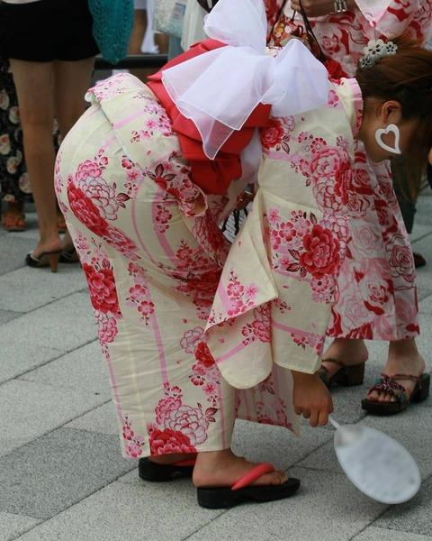 【画像あり】武井咲がここまで脱いだ…ドラマでずぶ濡れでスケスケ…全裸濡れ場も…・6枚目の画像