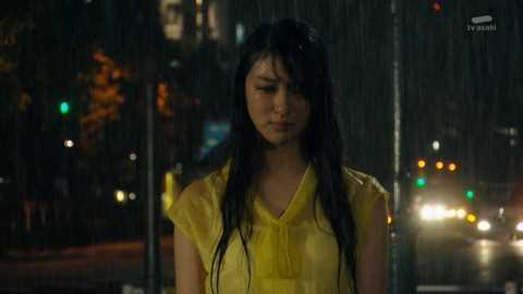 【画像あり】武井咲がここまで脱いだ…ドラマでずぶ濡れでスケスケ…全裸濡れ場も…・1枚目の画像