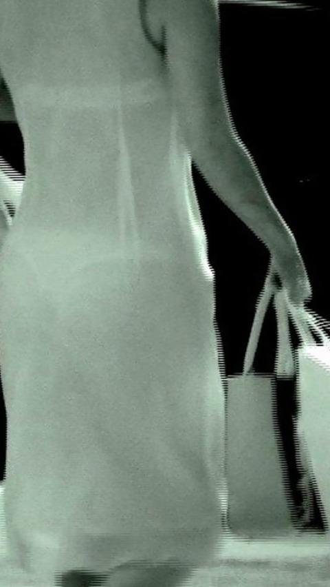 赤外線カメラ盗撮でパンツもブラも丸見え過ぎるエロ画像32枚・28枚目の画像