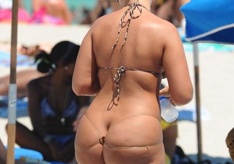 激カワ少女がサンバパレードでまさかのオパイぽろり事件発生!!・130枚目の画像
