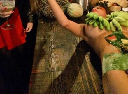 激カワ少女がサンバパレードでまさかのオパイぽろり事件発生!!・137枚目の画像