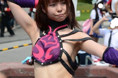 激カワ少女がサンバパレードでまさかのオパイぽろり事件発生!!・30枚目の画像