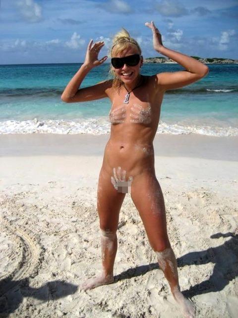 【※楽園※】海外ヌーディストビーチが毎日おっぱいもオマンコも見放題という無法地帯でエロ過ぎるwwwwwww(画像あり)・5枚目の画像