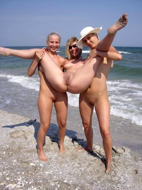 【※楽園※】海外ヌーディストビーチが毎日おっぱいもオマンコも見放題という無法地帯でエロ過ぎるwwwwwww(画像あり)・12枚目の画像