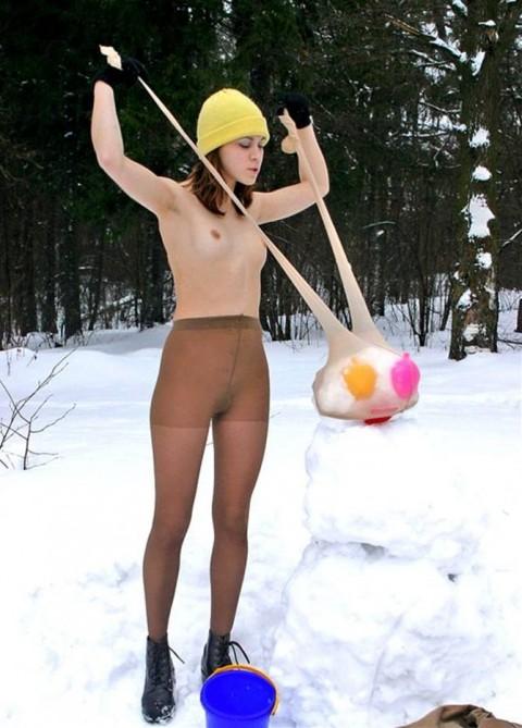 寒中露出する白人美女達のエロ画像30枚・36枚目の画像