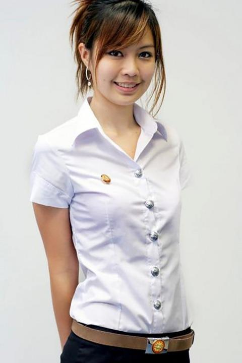 タイの女子大生のパツンパツンの制服シャツが抜けるエロ画像30枚・26枚目の画像