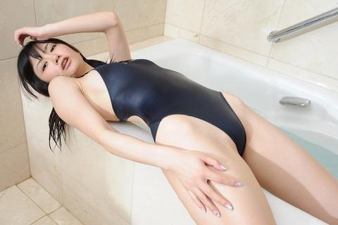 【競泳水着】2016年も堂々1位の人気を誇る競泳水着・スク水を着た女子のエロ画像だぜwwwwwww・20枚目の画像