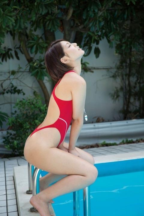 【競泳水着】2016年も堂々1位の人気を誇る競泳水着・スク水を着た女子のエロ画像だぜwwwwwww・16枚目の画像