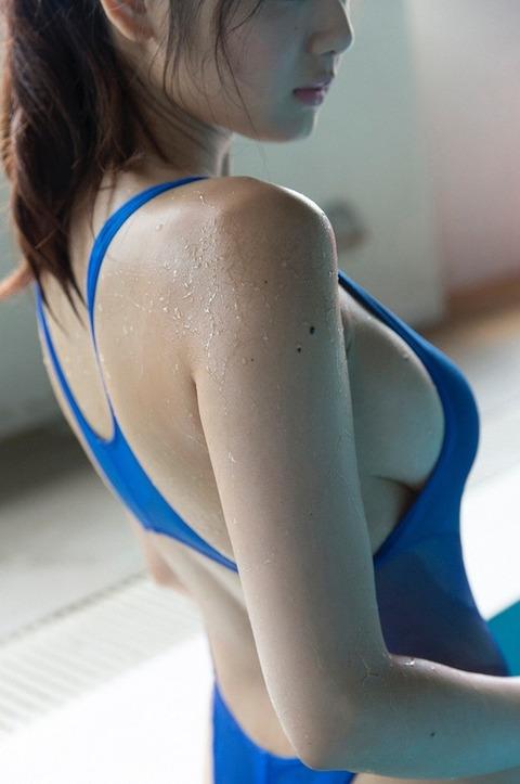 【競泳水着】2016年も堂々1位の人気を誇る競泳水着・スク水を着た女子のエロ画像だぜwwwwwww・11枚目の画像