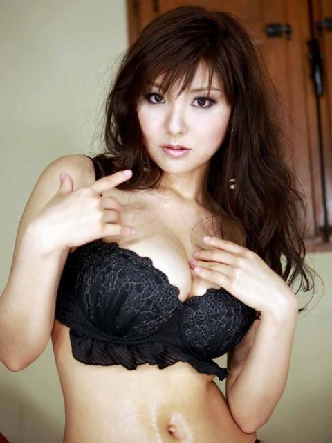 ヤリマン女の勝負下着がセクシー過ぎるエロ画像33枚・23枚目の画像