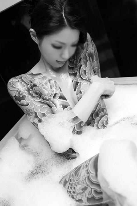 風俗で出てきたら地雷確定タトゥー有り嬢のエロ画像32枚・6枚目の画像