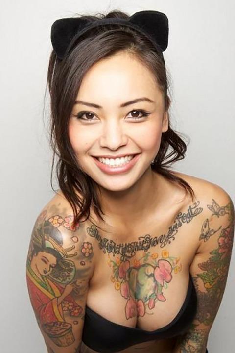 風俗で出てきたら地雷確定タトゥー有り嬢のエロ画像32枚・20枚目の画像