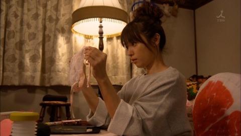 【深田恭子】着衣巨乳だけではなく過激下着まで披露してくれた深キョンが神すぐるwwwwwww(エロキャプ画像あり)・23枚目の画像