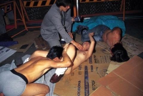 【世も末】ガチ強姦レイプの様子が大量流出・・・・・・(画像あり)・25枚目の画像