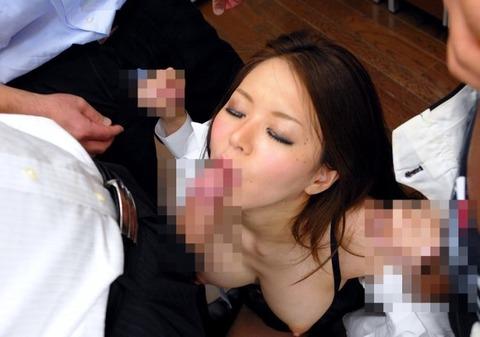 肉食系OLが残業中にセックスしてるエロ画像32枚・10枚目の画像