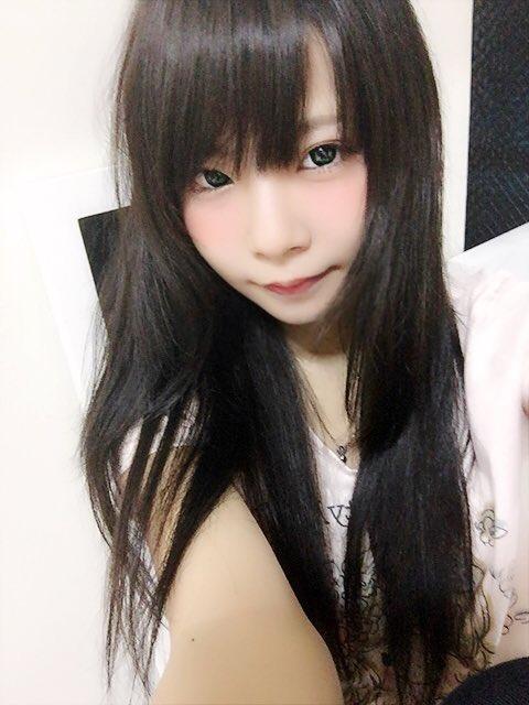 コミケ・ニコ生でロリコンヲタのチンポをフルボッキにさせる美少女レイヤーwwwww(胸チラ・パンチラエロ画像あり)・11枚目の画像