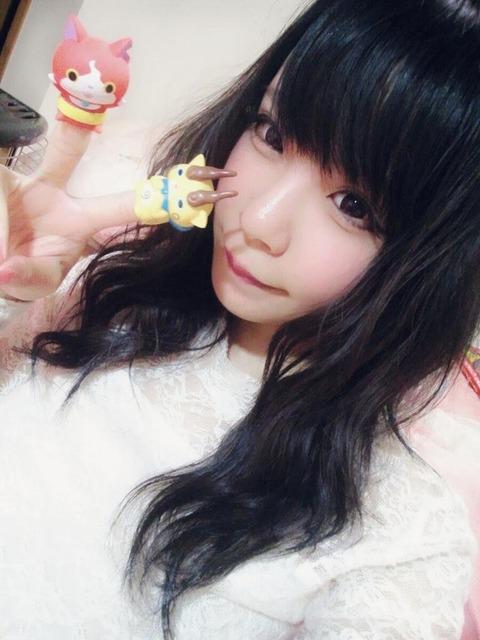 コミケ・ニコ生でロリコンヲタのチンポをフルボッキにさせる美少女レイヤーwwwww(胸チラ・パンチラエロ画像あり)・29枚目の画像