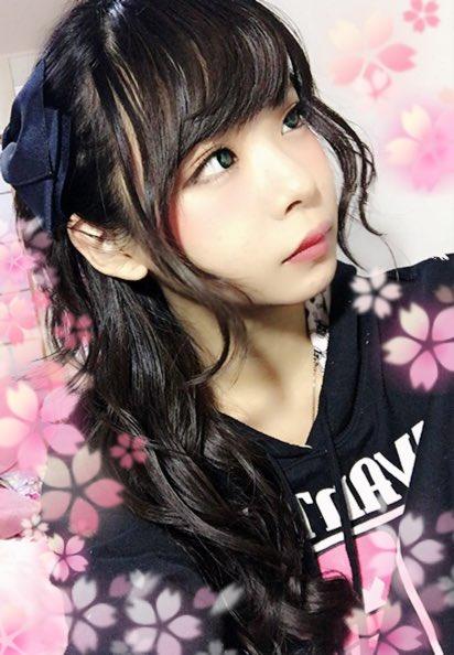 コミケ・ニコ生でロリコンヲタのチンポをフルボッキにさせる美少女レイヤーwwwww(胸チラ・パンチラエロ画像あり)・16枚目の画像