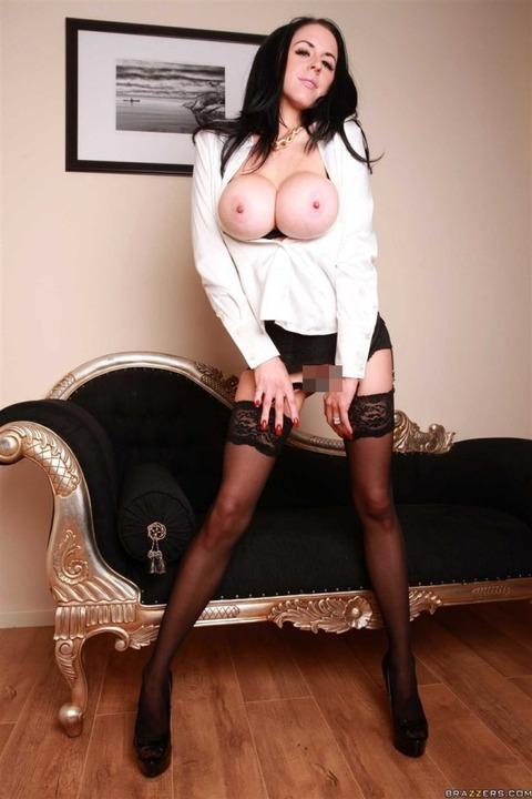 白人美女の黒髪ってどうしてこんなにセクシーなんだろうかwwwwww(画像あり)・30枚目の画像