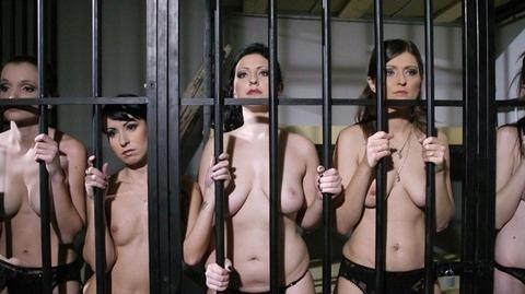 監禁調教という事件性高そうな海外の本気のSMエロ画像30枚・16枚目の画像
