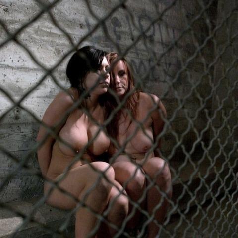 監禁調教という事件性高そうな海外の本気のSMエロ画像30枚・8枚目の画像